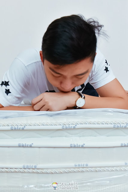 A closer look of the Chiro Latex/Gel Mattress from Dreamland Malaysia