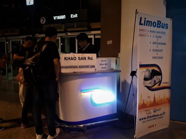 Limo bus untuk menuju Khaosan Road