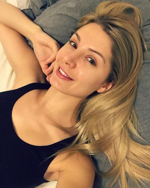 Lauren Southern boobs