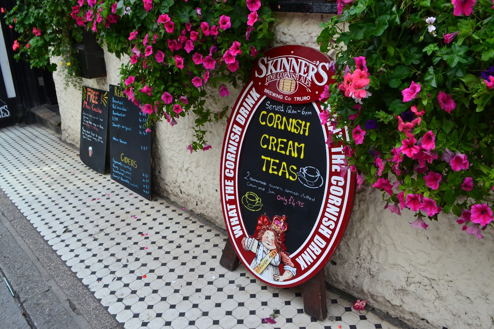 cornish-cream-teas-sign