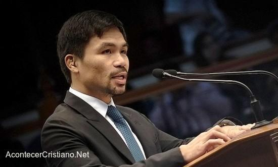 """Manny Pacquiao proponiendo el """"Día Nacional de la Biblia"""""""