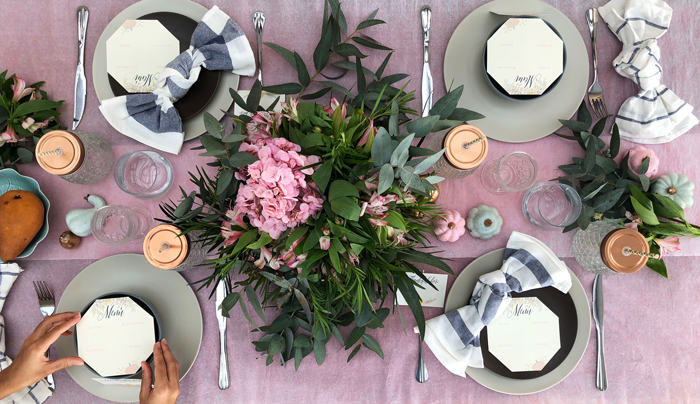 Valentina Vaguada: eucalipto, hydrangea, table setting, tableware, pastel table, thanksgiving, thanksgiving table, table set, party planner, dinner