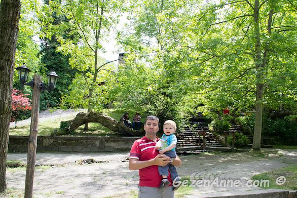 baba oğul gezerken, İstanbuldere Alabalık Evi