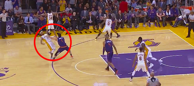 Devin Booker Shoves D'Angelo Russell (VIDEO)