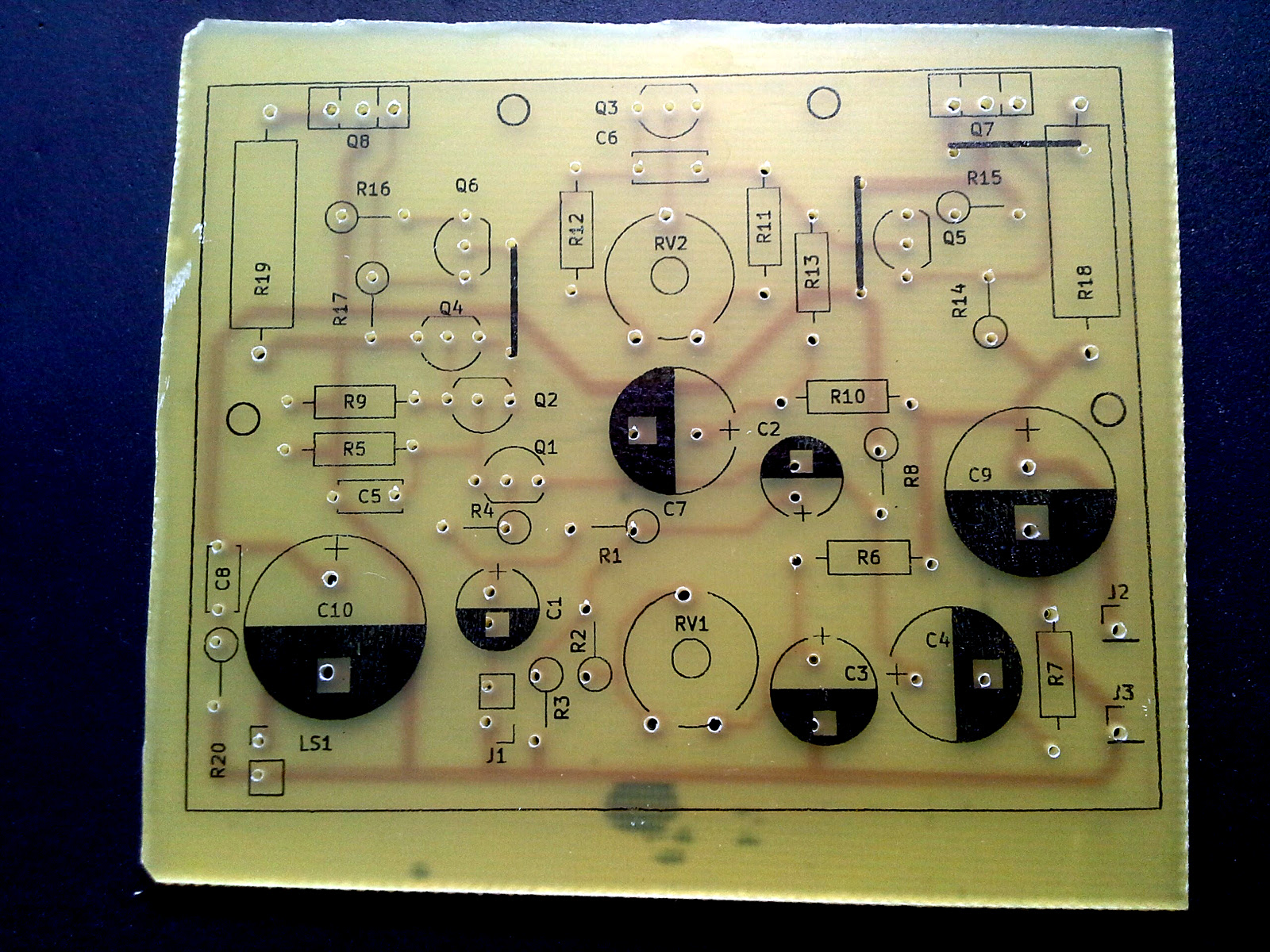 Homemade Pcb With Toner Transfer Method One Transistor Easy Ways To Etch A Circuit Board Pictures Incl Silkscreen