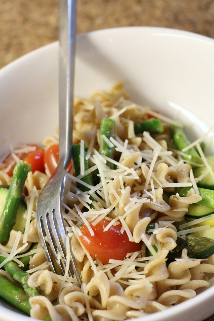 This easy to make pasta salad gets better the longer it sits! Make ahead pasta salad