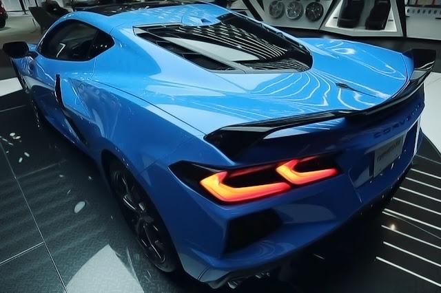 corvette-c8-blue