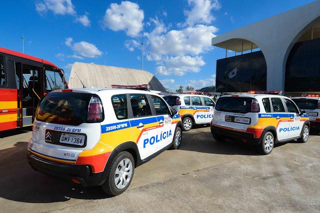 Governo de Minas entrega viaturas para o policiamento Rodoviário, de Meio Ambiente e para o Corpo de Bombeiros de Minas - Foto: Gil Leonardi/Imprensa MG
