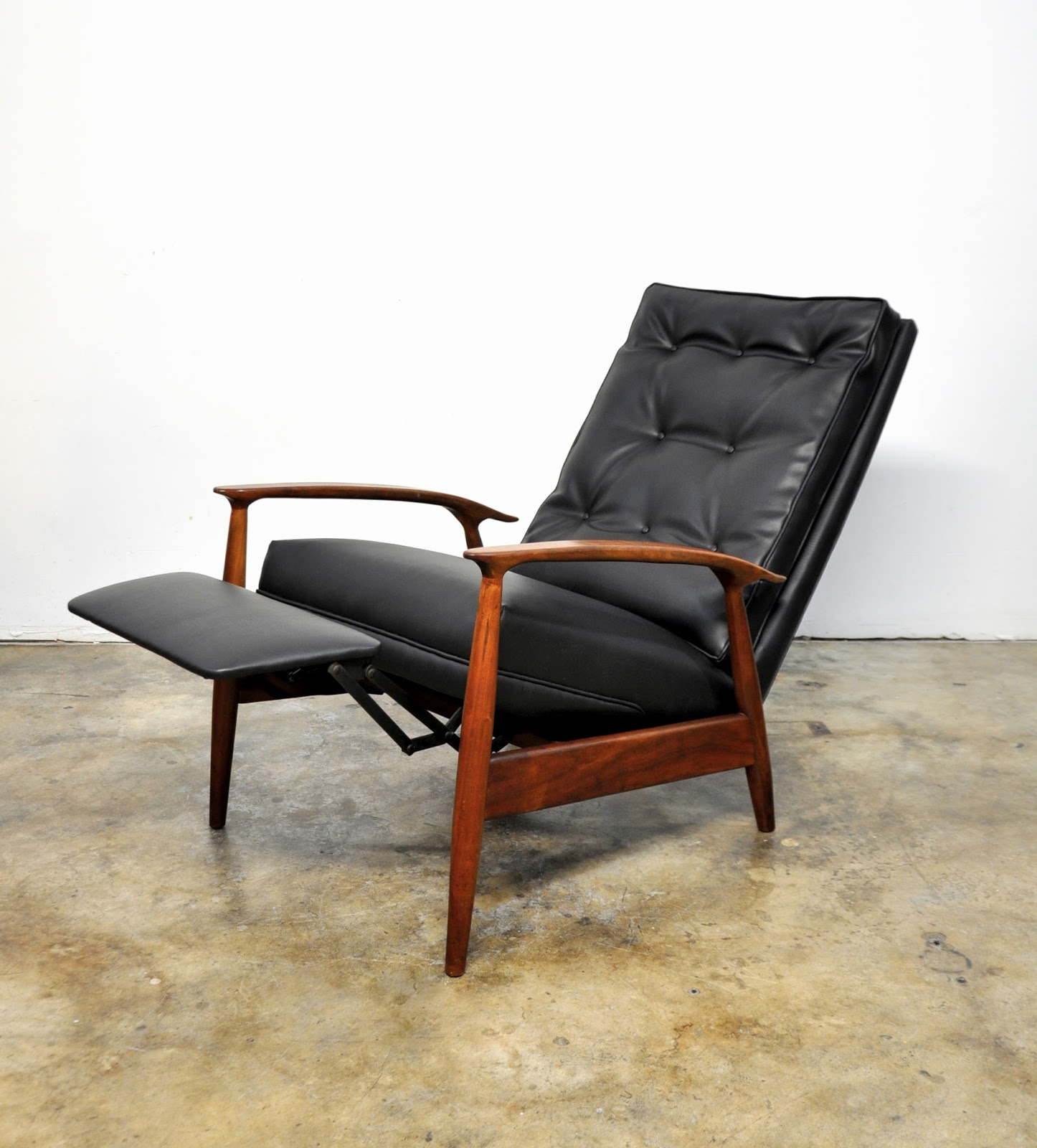 SELECT MODERN Milo Baughman for James Inc Recliner Lounge Chair