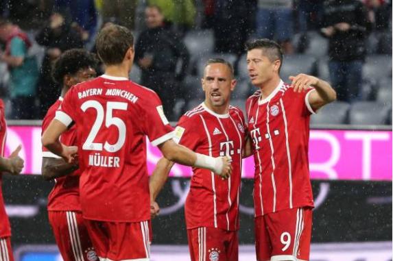 Tân binh tỏa sáng, Bayern thắng trận mở màn