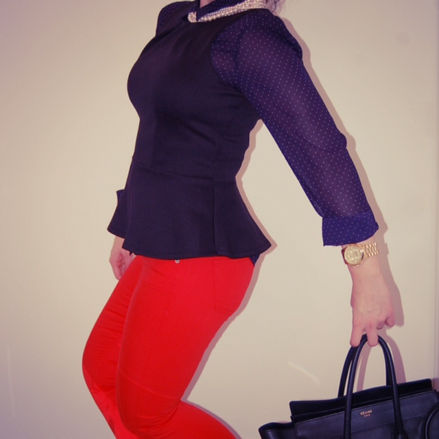 Peplum top with red skinny jeans and a polka dot blouse