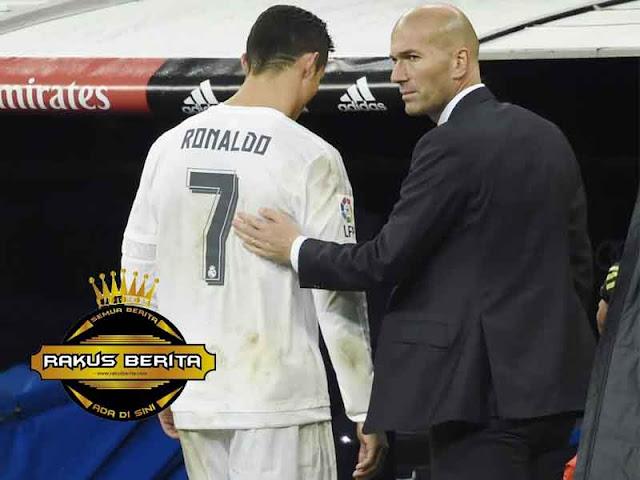 Alasan Zidane Tarik Ronaldo Usai Cetak Gol