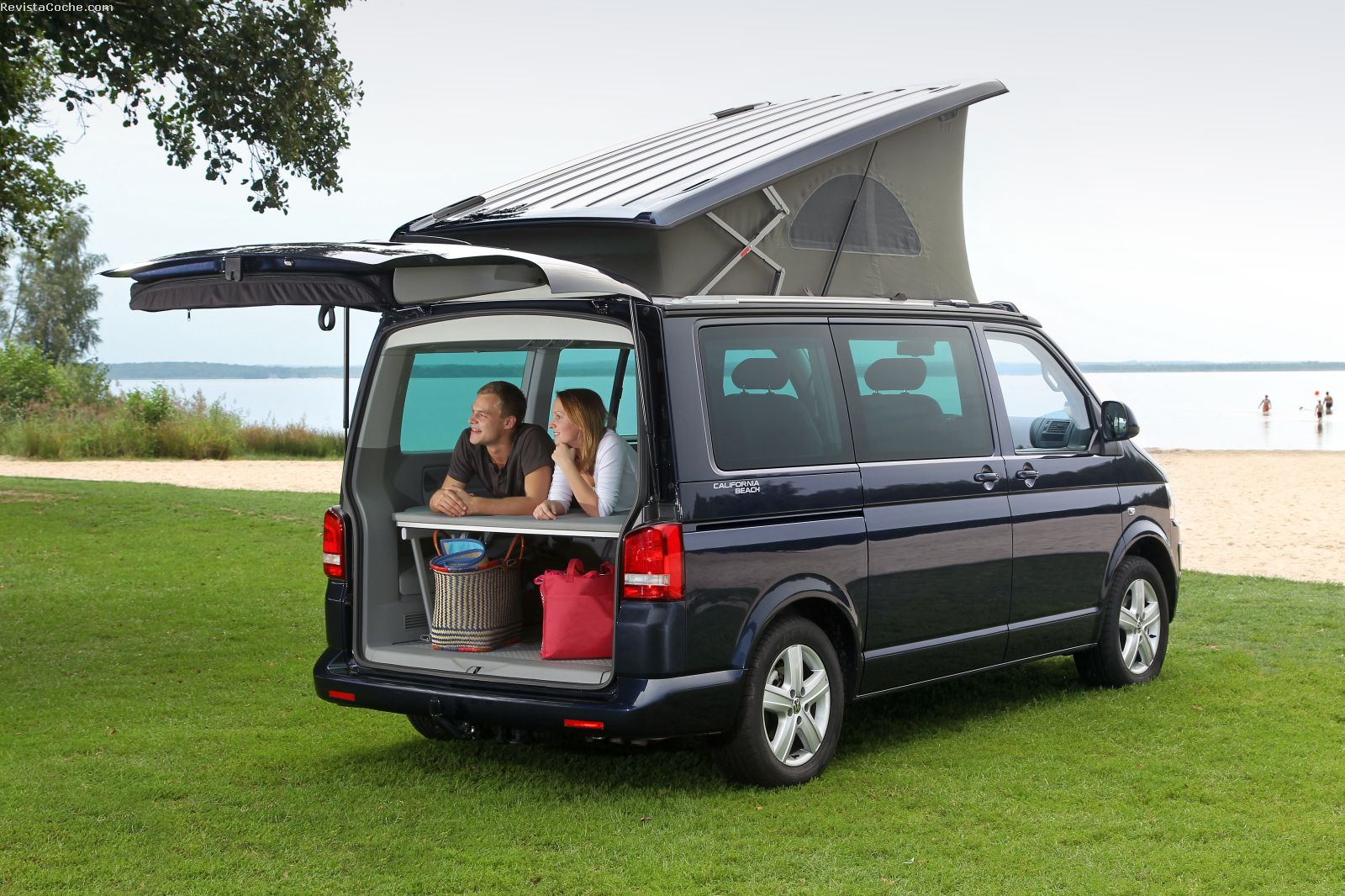 revista coche 25 a os del volkswagen california. Black Bedroom Furniture Sets. Home Design Ideas