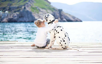 Cute-Girl-And-Dalmatian-Dog-loving-eachother-photoes