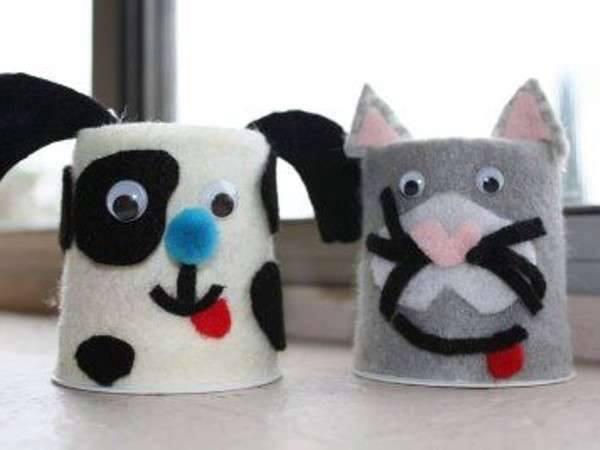Ide membuat kerajinan dari gelas yogurt untuk anak-anak berbentuk kucing dan anjing