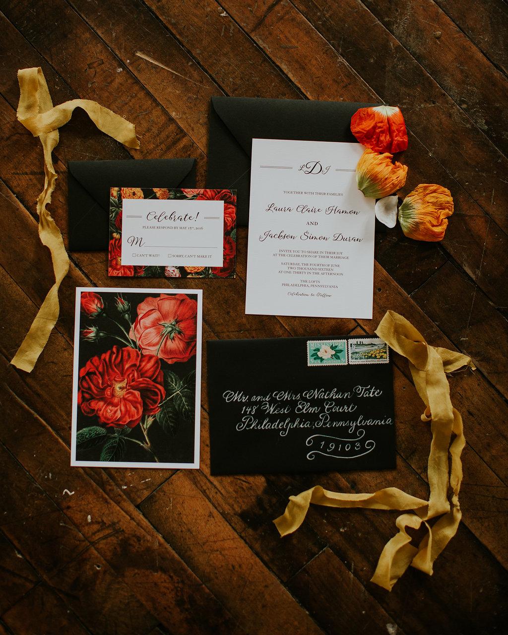 Inspiration florale pour une mariée en noir
