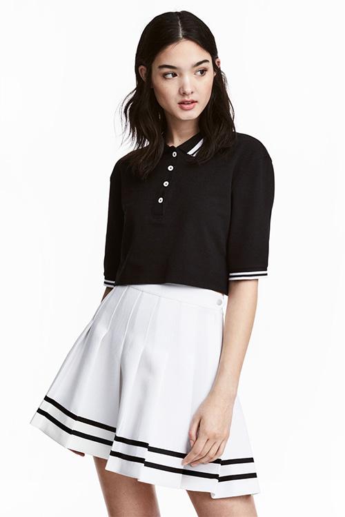 Jupe courte plissée blanche et noire H&M