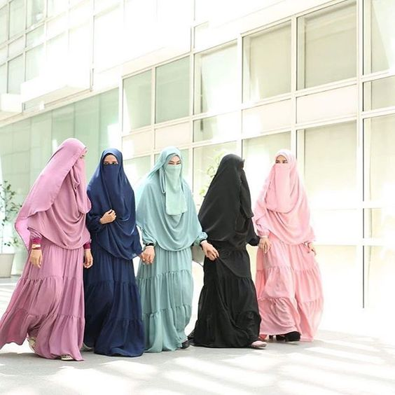A wonderful selection of Muslim dresses and hijab online