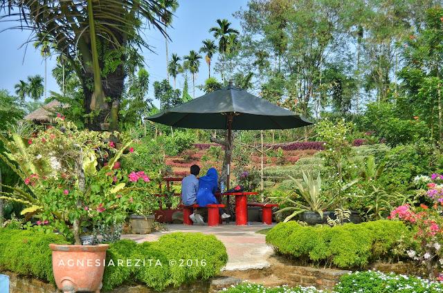 Taman The Le Hu Garden