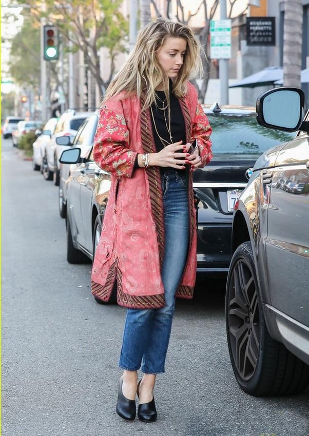 Amber Heard street style kimono boho