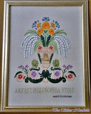 """Ręcznie wyszywany obraz """"Kwiaty w wazonie""""/Hand embroidered picture """"Flowers in a Vase"""""""