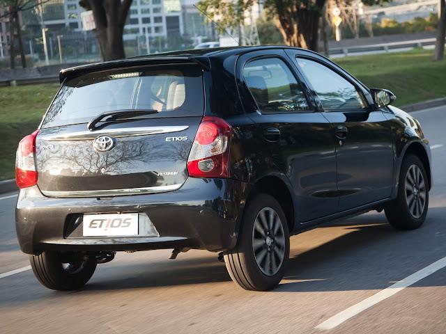 Toyota Etios: câmbio automático bomba no mercado