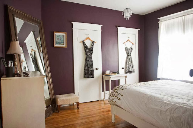 Coloring Small Room with Bold Colors