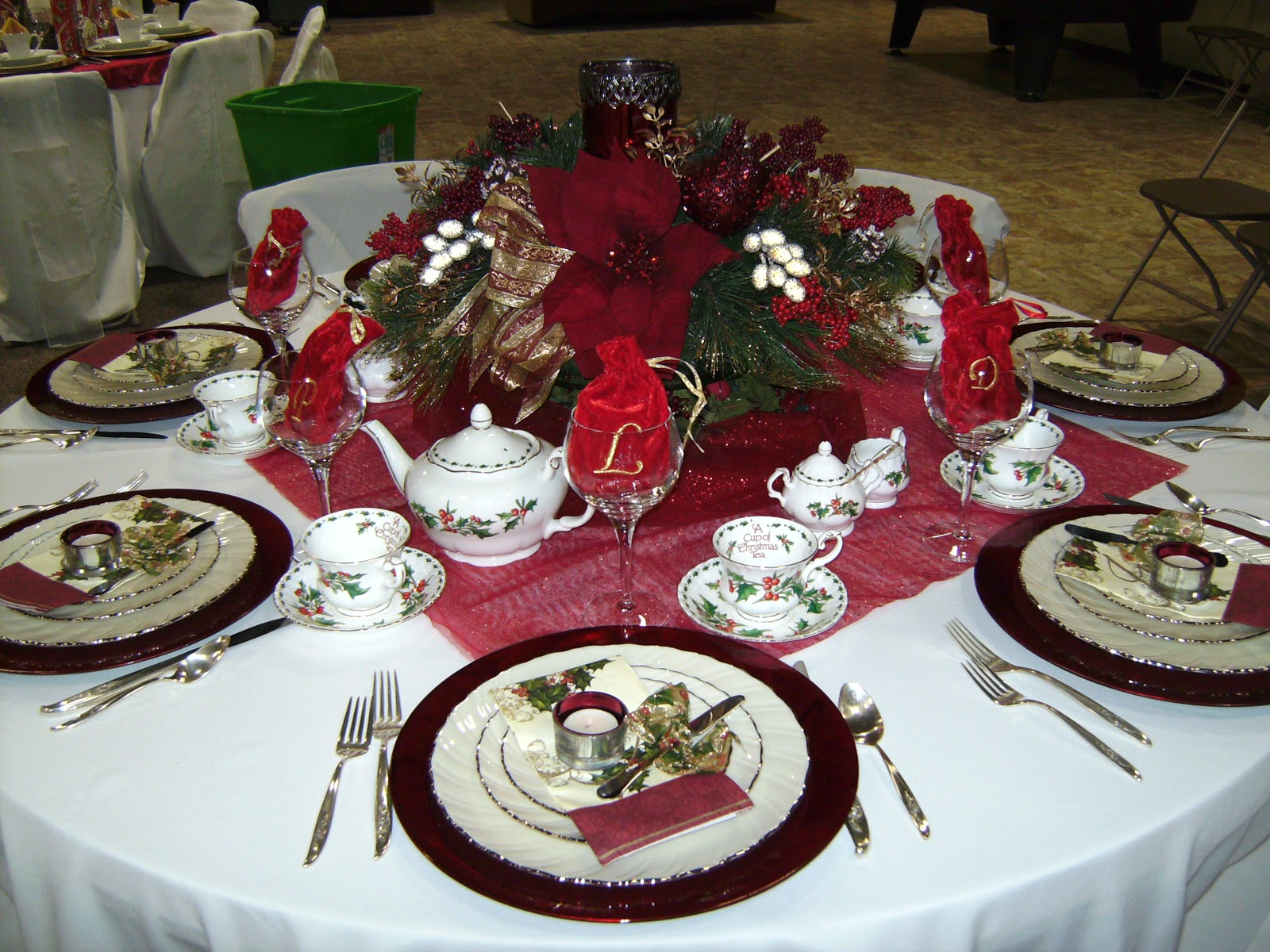 Relevant Tea Leaf 2010 Christmas Tea Tablescapes