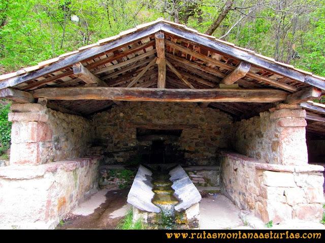 Ruta del Alba: Fuente en el inicio de la ruta