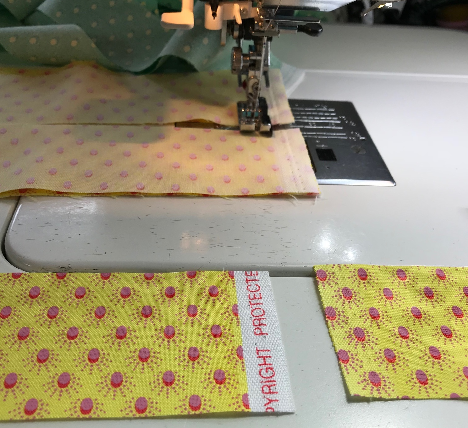 Life In The Scrapatch: Two Fabric Flanged Machine Binding