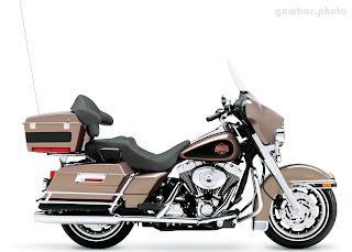 Harley Davidson FLHTCI Electra Glide Classic motorcycle