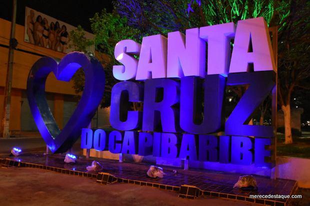 Prédios iluminados em Santa Cruz do Capibaribe marcam o Dia Mundial do Autismo