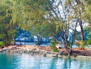 http://www.teluklove.com/2017/04/destinasti-objek-wisata-pulau-air-kecil.html