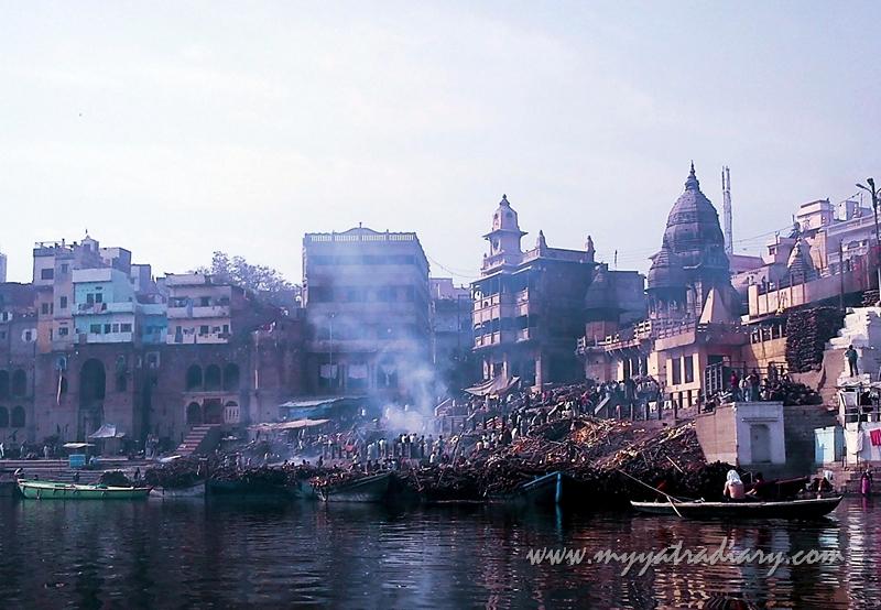 Funeral pyre at Manikarnika Ghat in Varanasi