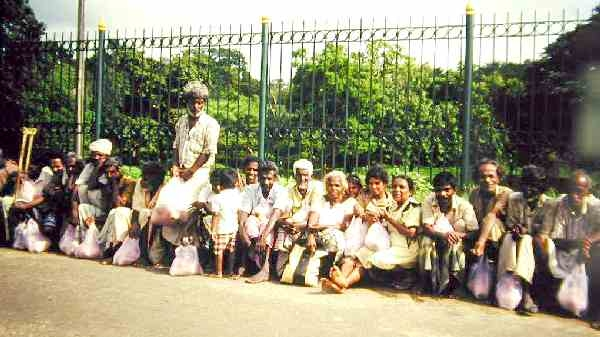 Beggars Travel to Anuradhapura  Poson Full Moon Poya Day