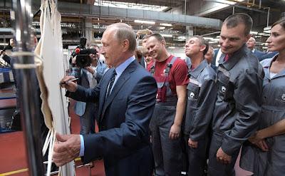 Vladimir Putin during his visit to Ryazan Tannery.
