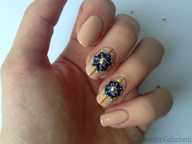 nail art russa con gioielli_04