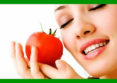 Menghilangkan Flek hitam  Bekas Jerawat Menggunakan Tomat