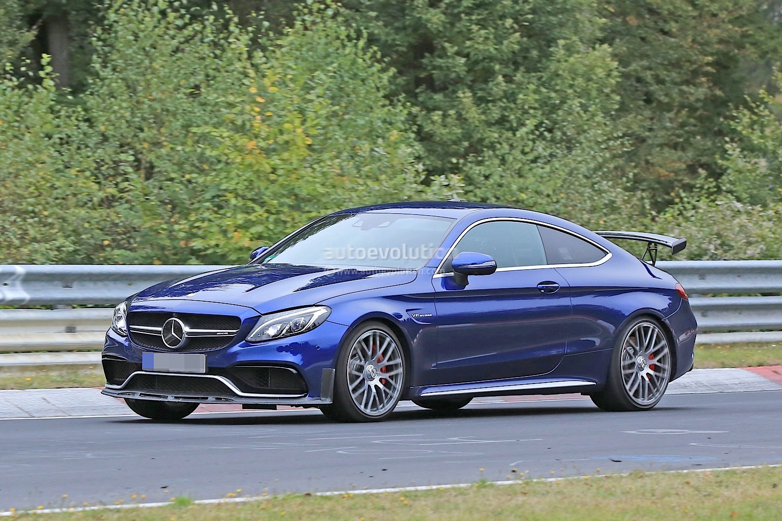 Spy Shots Of What Could Be A Mercedes Amg C63 R Coupe Have Surfaced