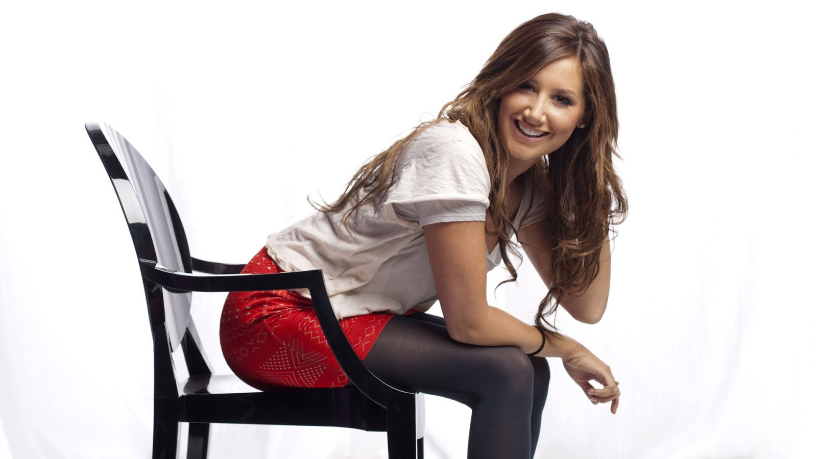 Ashley Tisdale Hot Desktop Wallpaper | HD Wallpapers (High Definition) | Celebrity HD Desktop ...