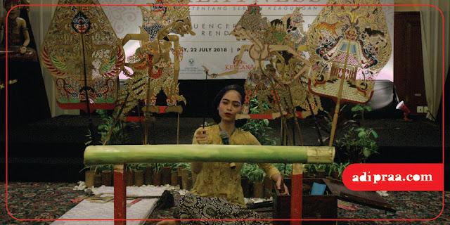 Female Puppeteer by Paguyuban Dimas Diajeng Jogja | adipraa.com