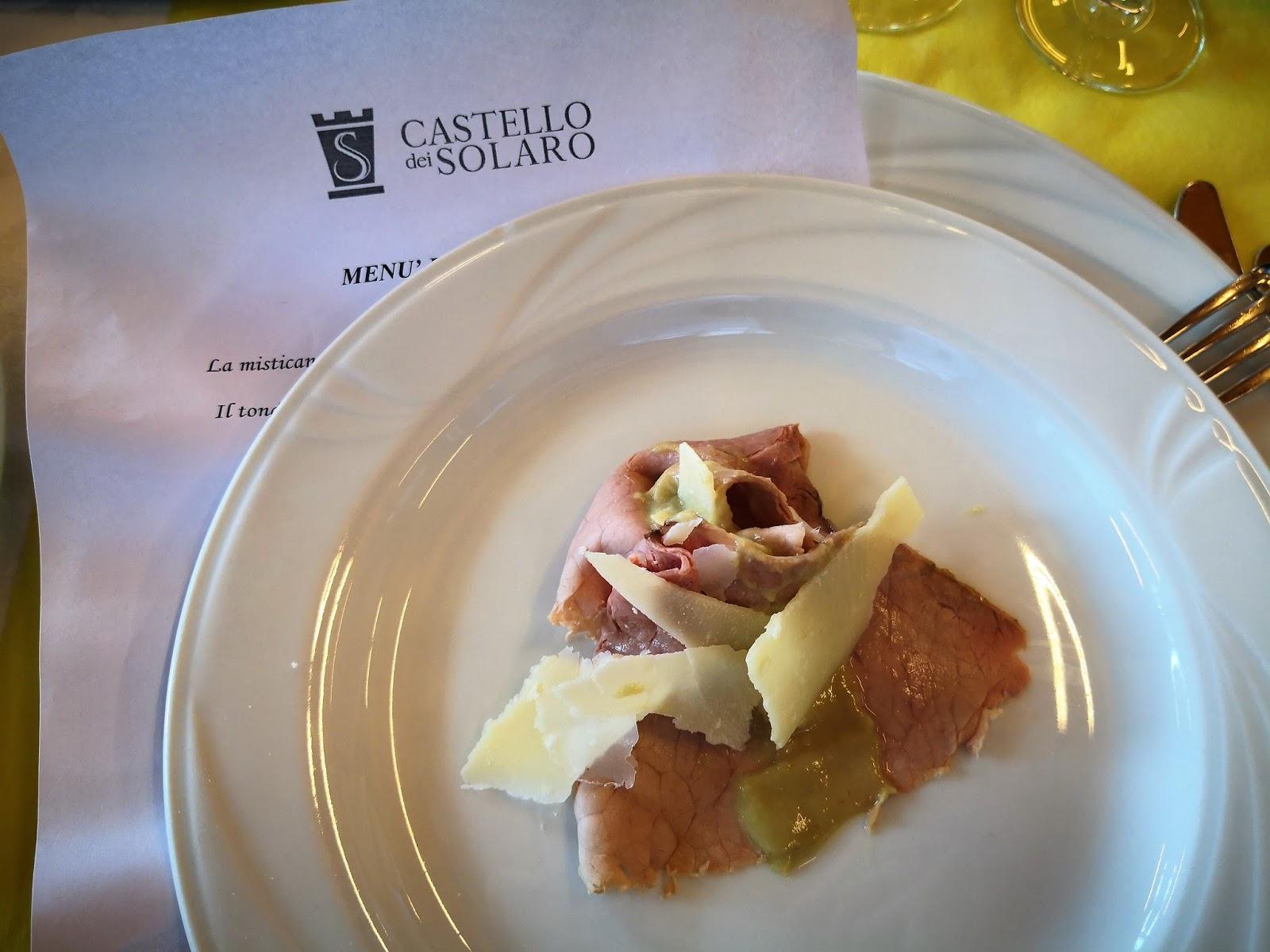 Il tondino di vitello, cotto a bassa temperatura, crema di carciofi  e scaglie di Parmigiano d.o.p.