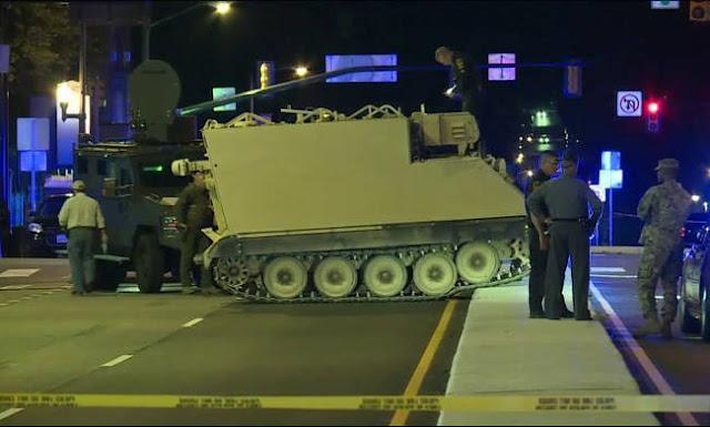 Απίστευτο περιστατικό: Περιπολικά καταδιώκουν κλεμμένο άρμα μάχης στις ΗΠΑ (βίντεο)