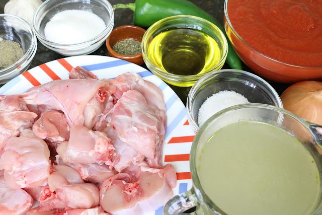 Ingredientes para conejo con tomate