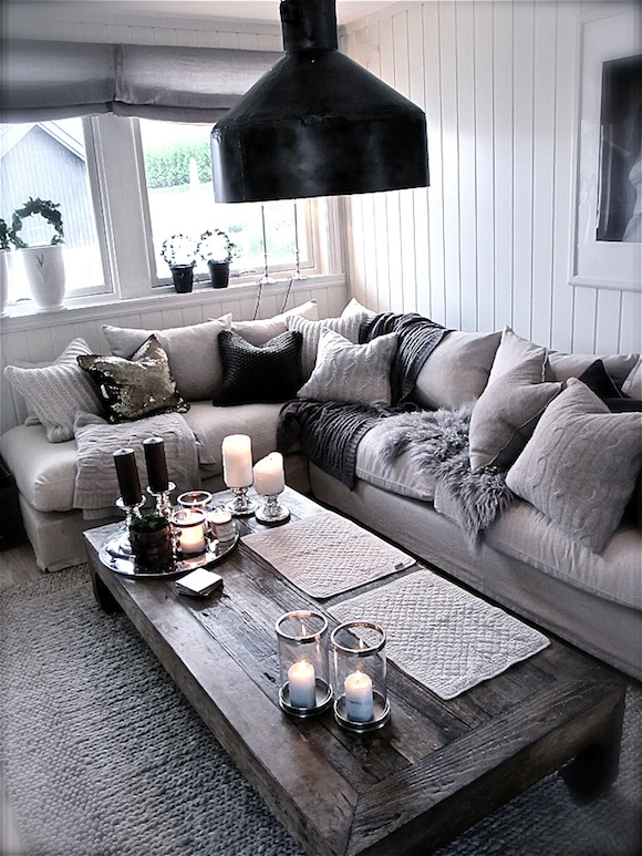 Cozy Living Room In Winter: Pinklet And C: Cozy Grey