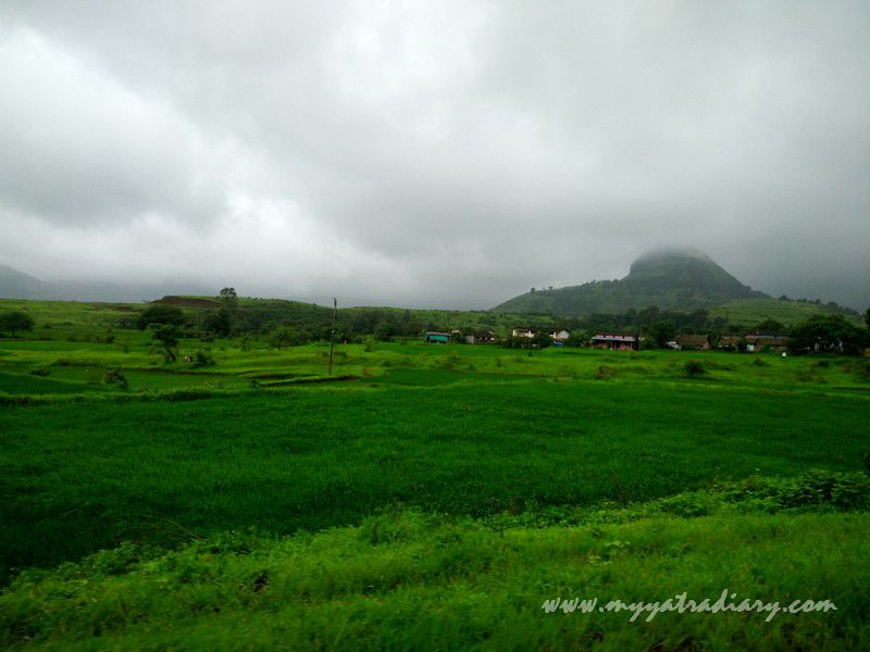Beautiful scenic route on the Trimbakeshwar -Ghoti road near Nashik, Maharashtra
