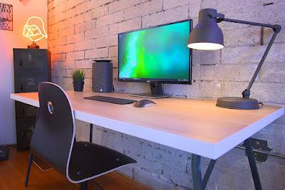 blogging dengan desktop, laptop, atau smartphone