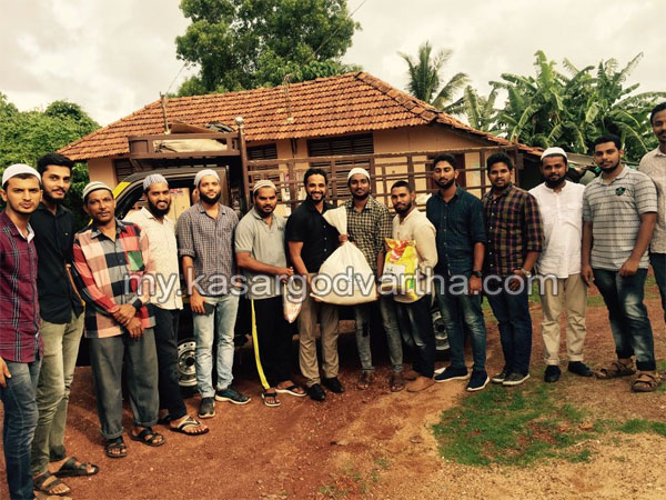 News, Religion, Kerala, Ramadan Kit distributed by Double Once old student association