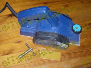 Cepillo de carpintero eléctrico. Afilar cepillo. Mantenimiento del cepillo  eléctrico de carpintero. d7d6166decd5