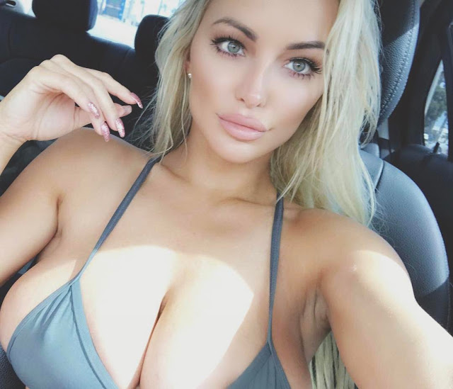 Lindsey-Pelas-selfie-in-car-Instagram-Picture